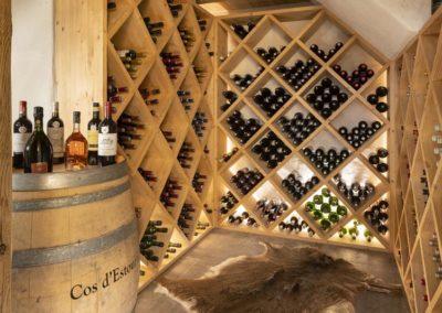 Cave vin envers des etoiles