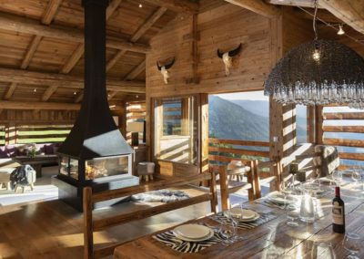 Salon cheminee location chalet luxe grand bornand